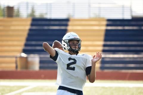 (Robert Vendettoli/Boulder City Review) Boulder City High School sophomore quarterback Jacob Br ...