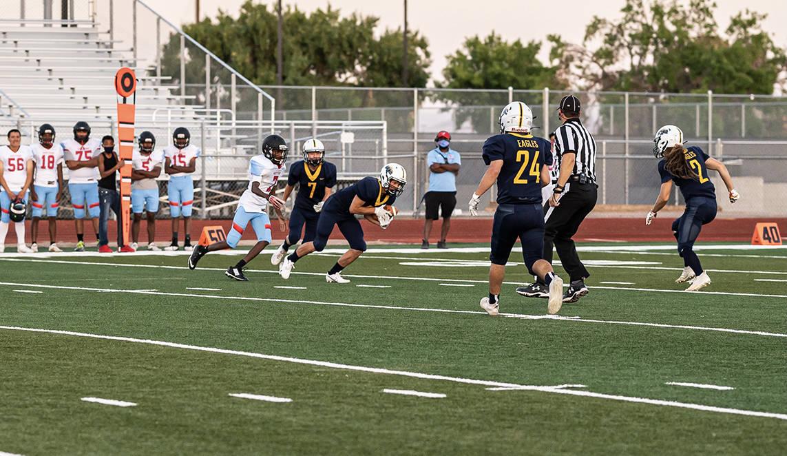 (Jamie Jane/Boulder City Review) Boulder City High School junior Bruce Woodbury intercepted a p ...