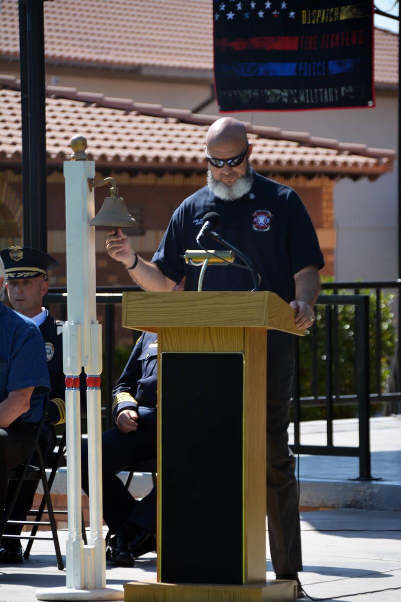 Celia Shortt Goodyear/Boulder City Review Jason King, pastor of Calvary Chapel, rings a bell in ...