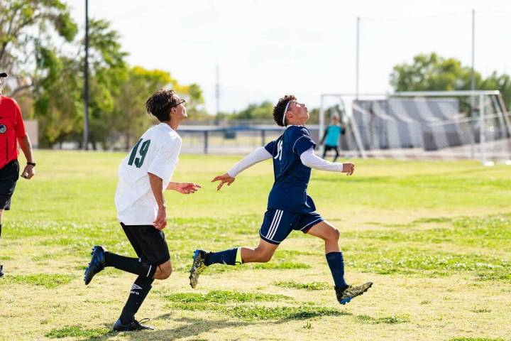 (Jamie Jane/Boulder City Review) Sophomore Lane Pusko looks for the ball in the Eagles' 6-0 w ...