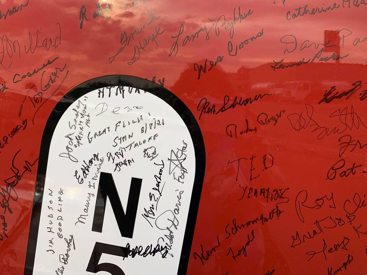 (Hali Bernstein Saylor/Boulder City Review) Signatures of World War II veterans who were taken ...