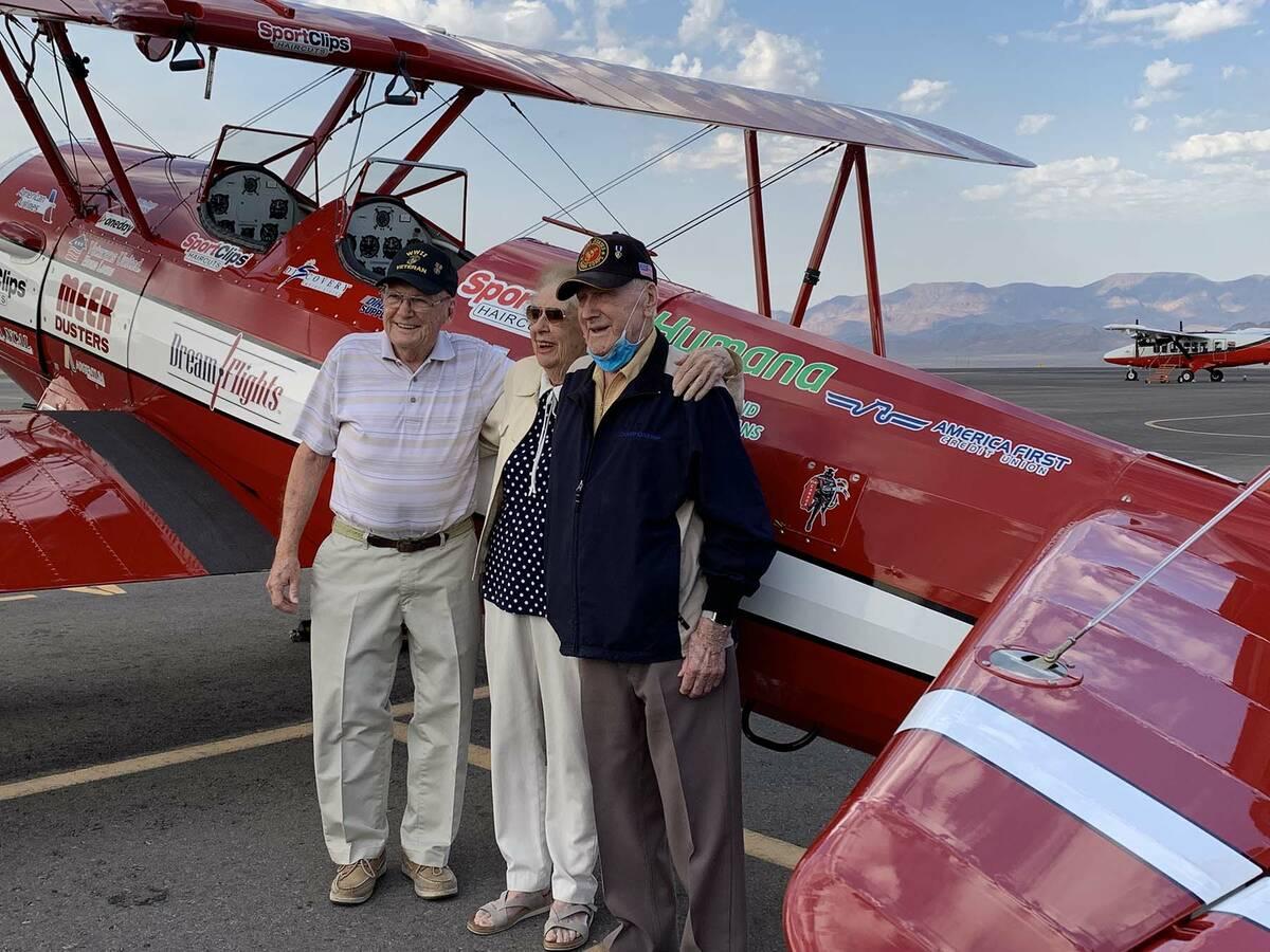 (Hali Bernstein Saylor/Boulder City Review) Former Marines and World War II veterans, from left ...