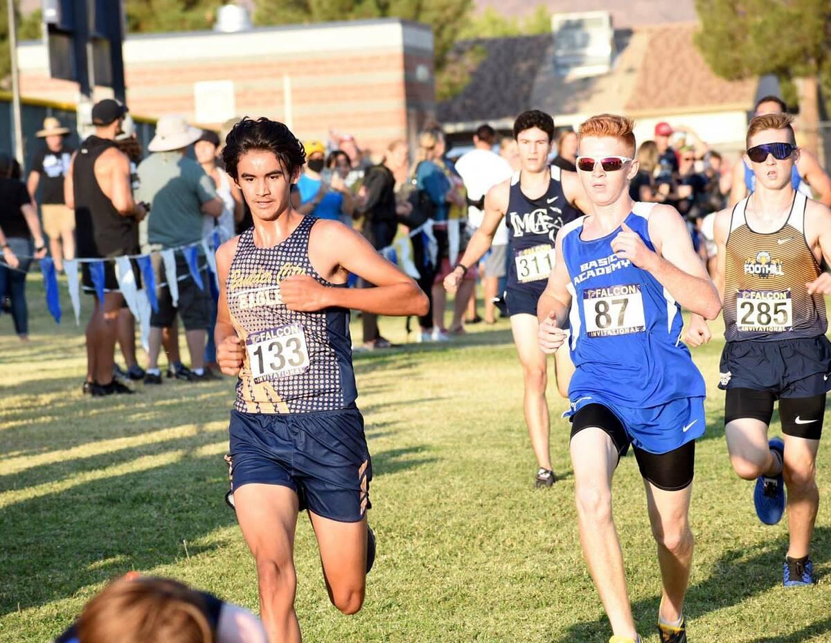 (Pernell Bryant/Boulder City Review) Boulder City High School senior Kiefer Reinhart, seen runn ...