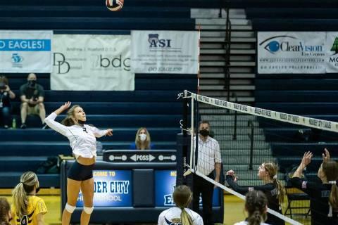 (Jamie Jane/Boulder City Review) Senior Ashlyn Hess added nine kills in the Lady Eagles' 3-0 ...